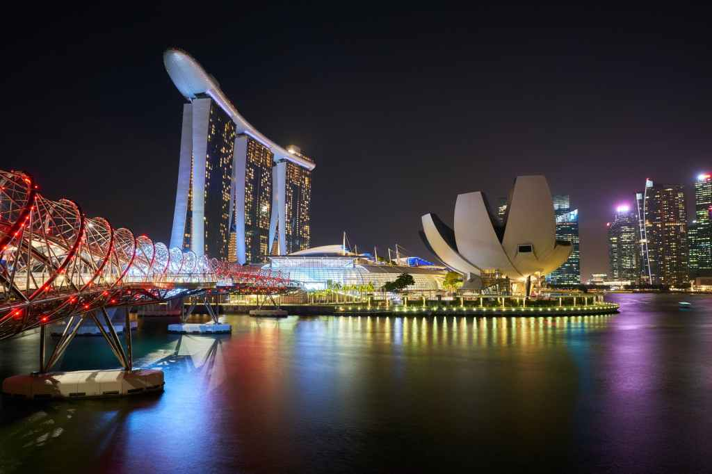 stunning view of the Marina Bay Sands hotel in Singapore at night