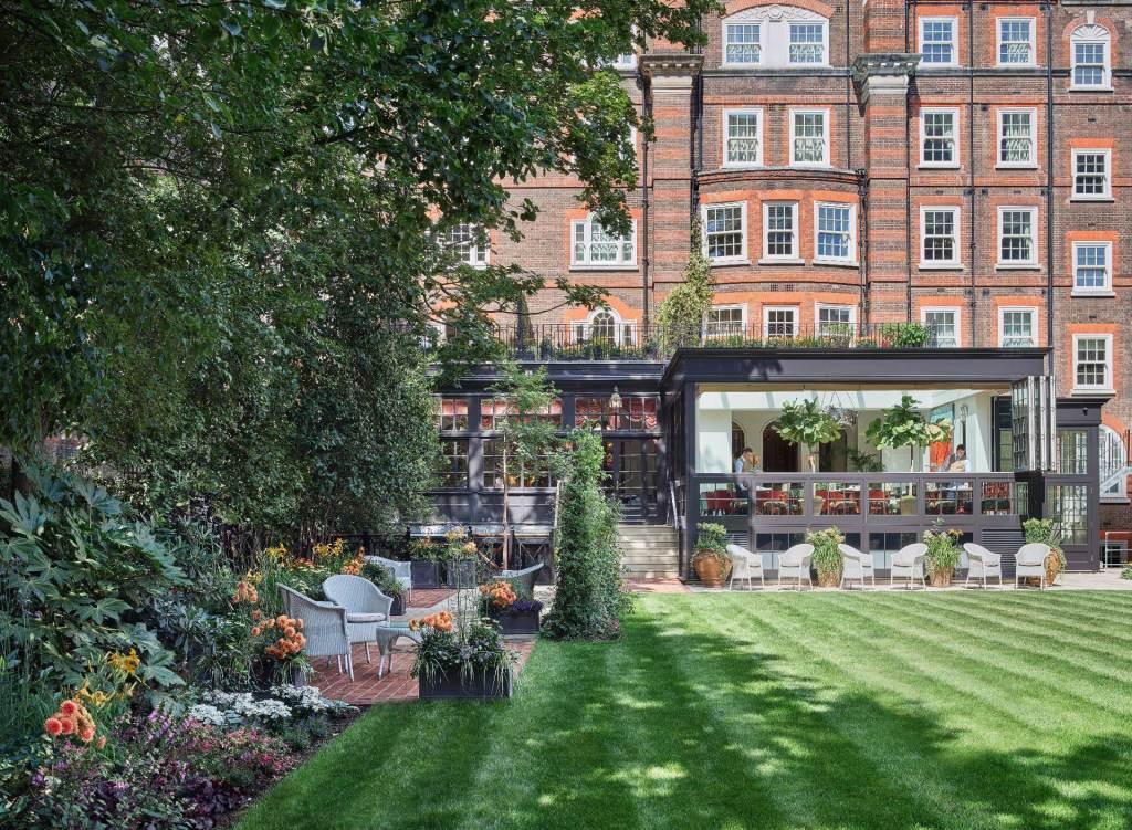 Manecured gardens and veranda at The Goring hotel Belgravia