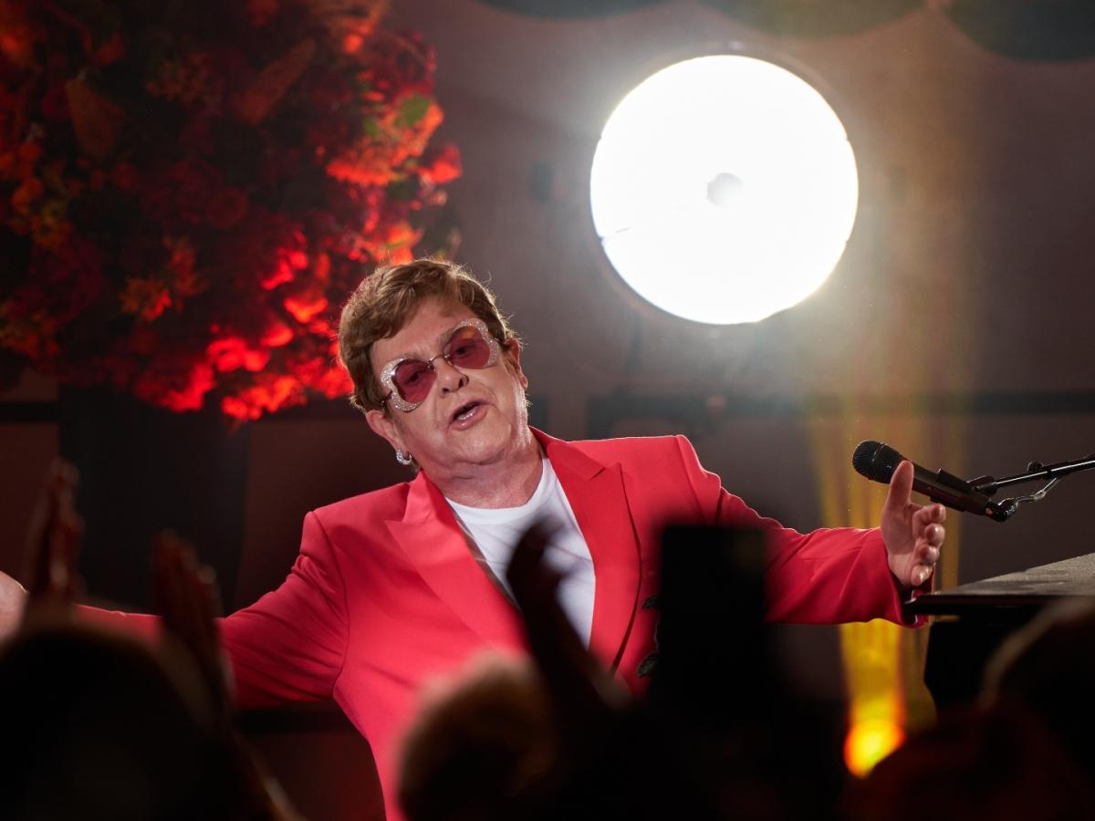 Elton John mid-performance at Chewton Glen