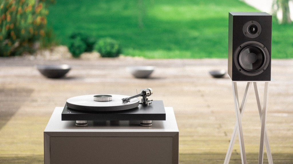 Pro-Ject Audio Debut Pro turntable with speaker