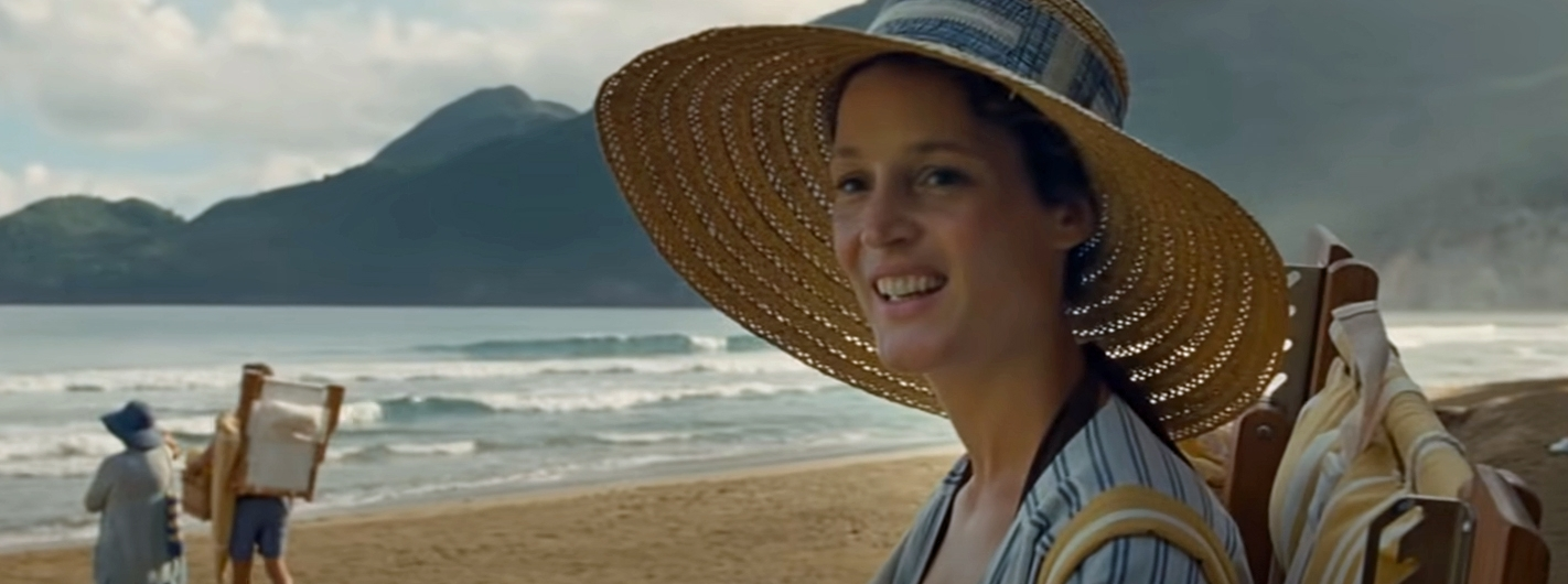 Prisca played by Vicky Krieps arrives at the beach in M. Night Shyamalan'sOld
