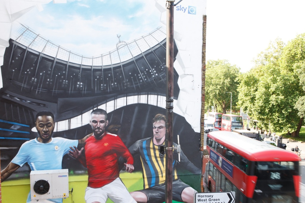 Jody Thomas football mural looms over Tottenham High Street