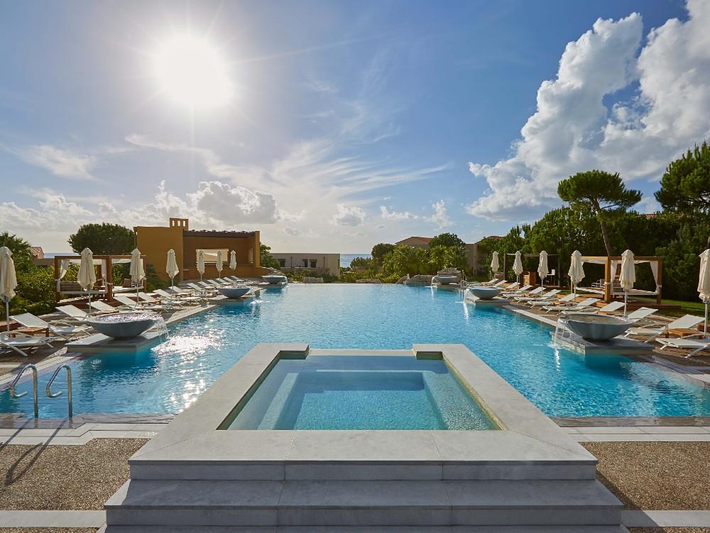 The Westin Resort, Costa Navarino pool