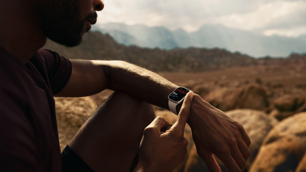 An Apple Watch 7 user out and in the wilderness