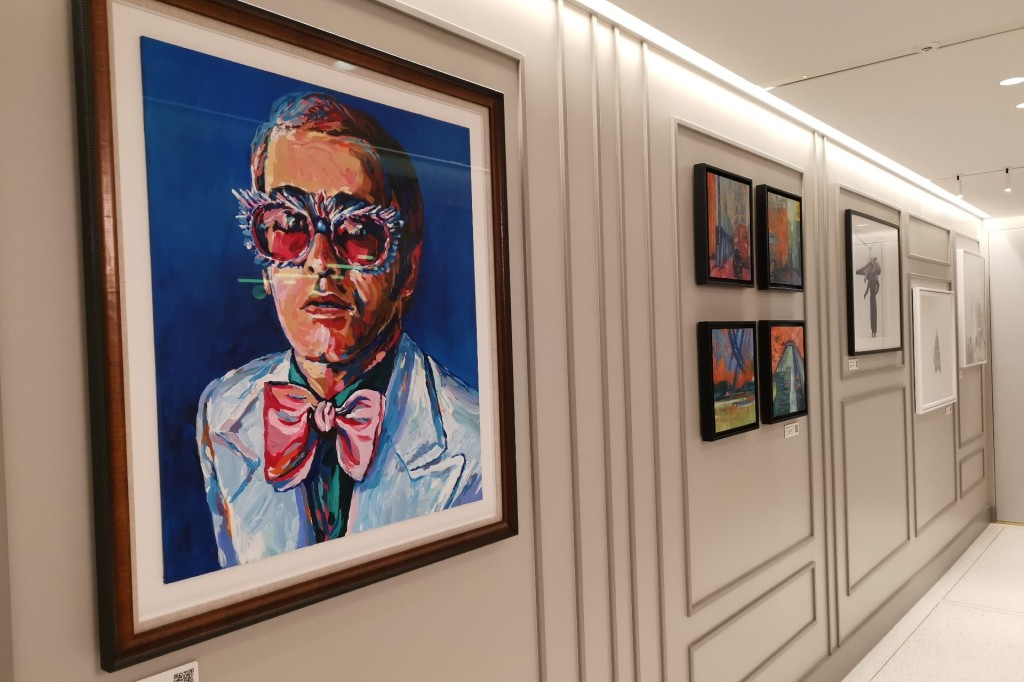The Ammex Centurion art gallery with a large painting of Elton John at LHR
