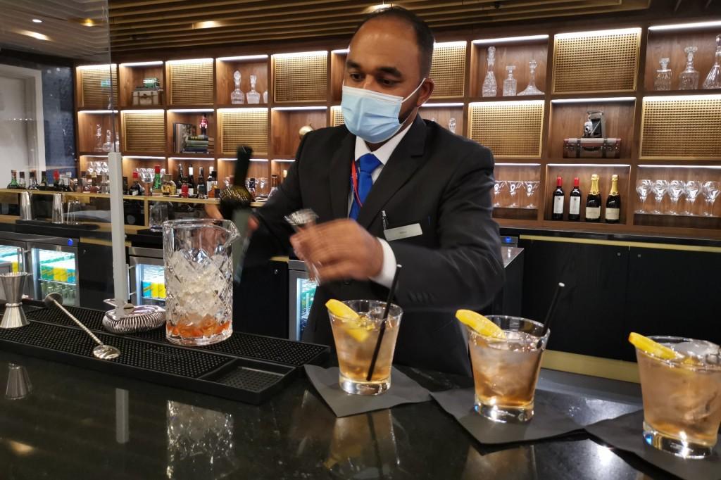 The Ammex Centurion bar mixologist at work LHR