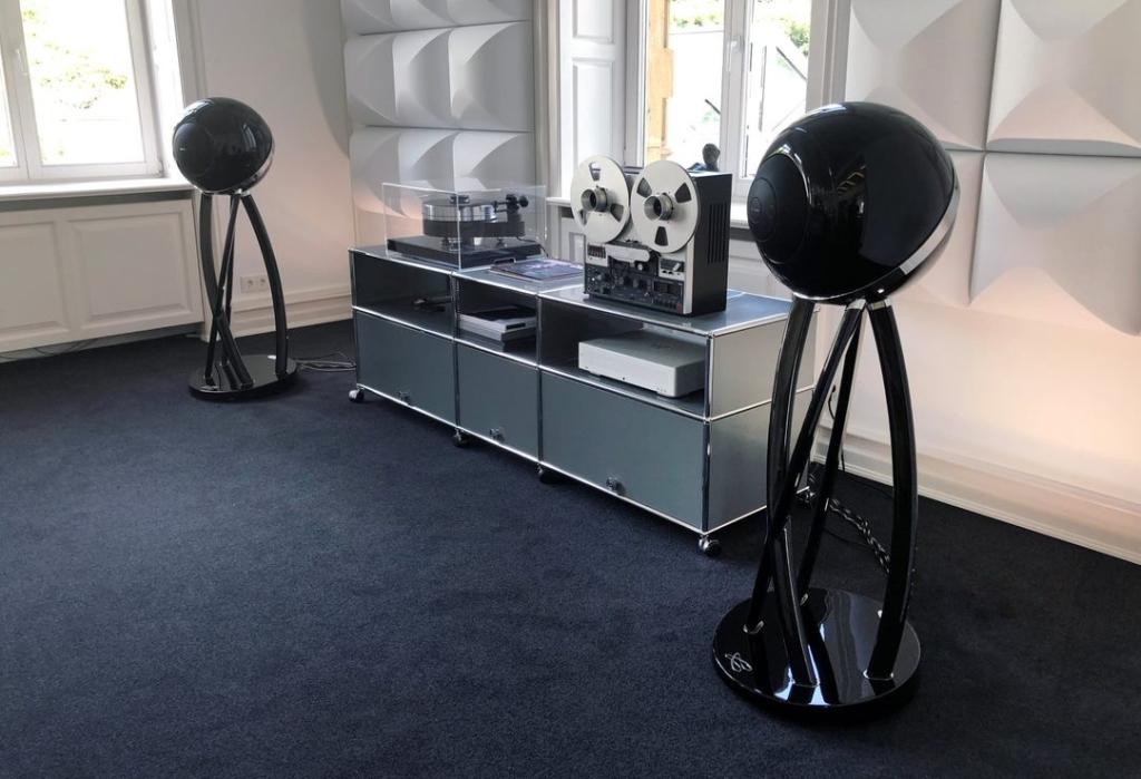 Cabasse Pearl Pelegrina speakers alongside a high end record deck and tape machine